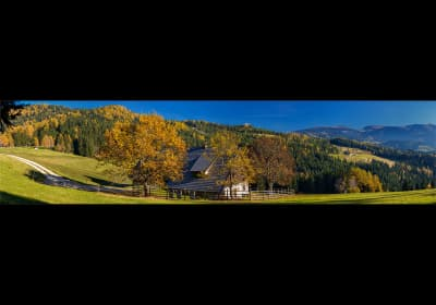 Bischofkreuzhuette im Herbst