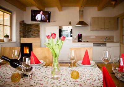 Wohnküche mit wärmendem Kaminofen