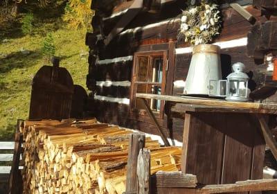 Petra Hütte Holz