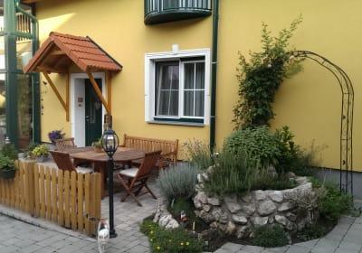 Winzer- und Gästehaus Stur