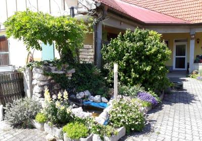 Urlaubs - Weingut Kriegl - Innenhof