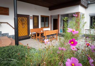 Gästezimmer Eminger - Terrasse
