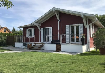 Haus Fjord - gartenseitig mit Balkon