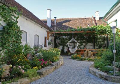Winzerhof Wurst - Innenhof