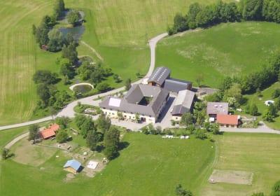 Forellenhof Bio Bauernhof Luftaufnahme