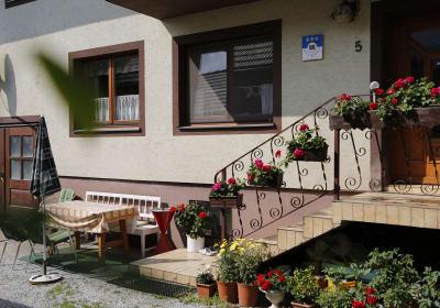 Erlebnishaus Rienesl - Hauseingang