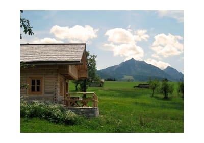 idyllische Lage umgeben von Wiesen