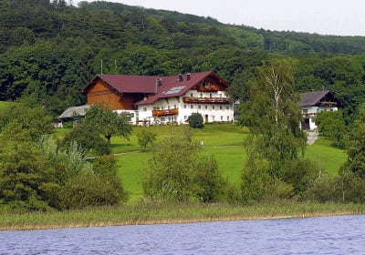 "Farmhouse and guest house - ""Serner beim See"""