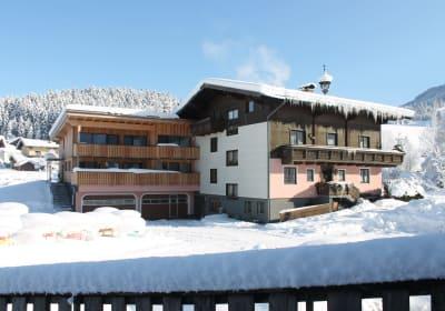 Haupthaus mit Anbau