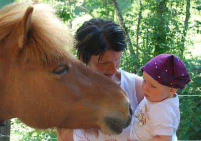 Erster Pferdekontakt Ployergut Kleinarl