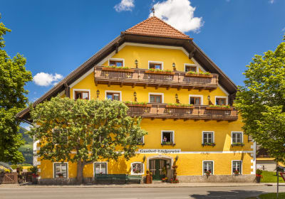 Bauernhof und Landhotel Löckerwirt
