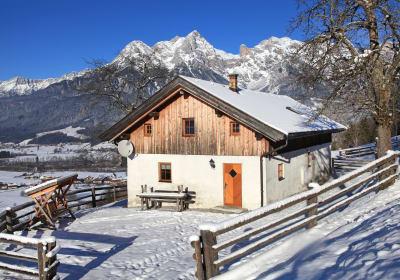 Günzberghütte in winter