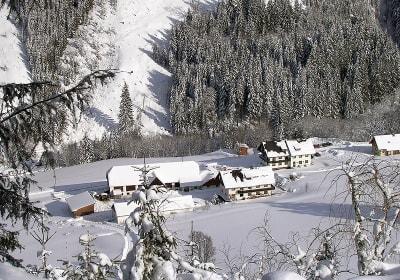 Unser Hof im Winter.