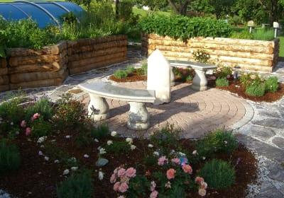 Finden Sie Erholung in unserem Rosengarten.