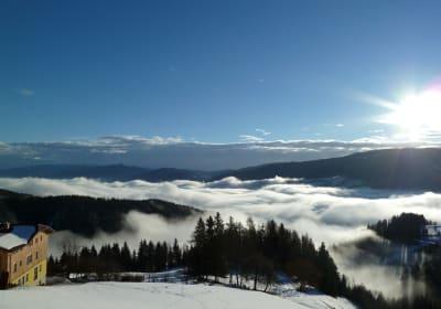So schoen-wenn im Tal noch der Nebel liegt
