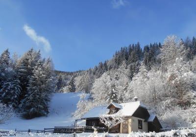 Umundumhütte an einem herrlichen Wintertag