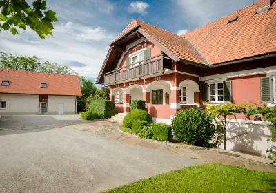 Unser Haus und das Ferienhaus