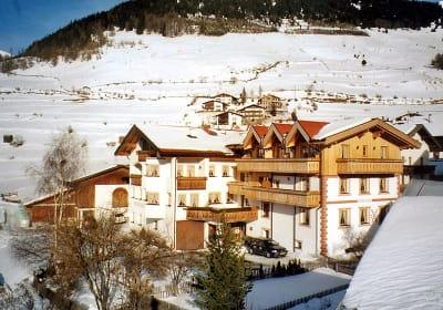 Rosenhof im Winter (von Südwesten)