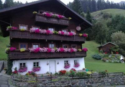 Bauernhaus im Sommer