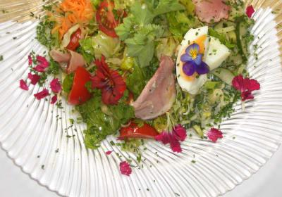 Petal salad