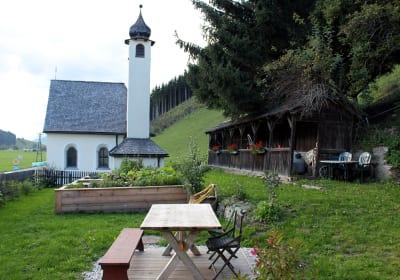 Tassenbacherhof - Kräuter- und Gemüsegarten mit Beerenobst