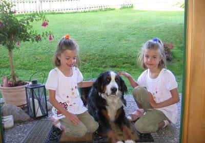 Marleen und Lena mit Charly