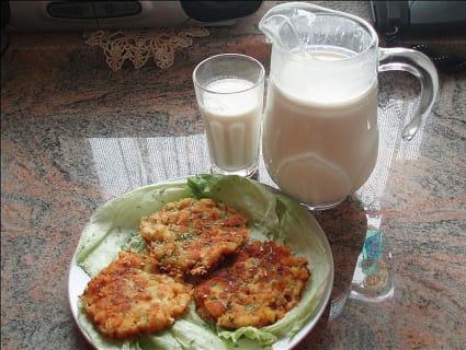 Bio-Milch und selbstgemachte Kaspressknödel