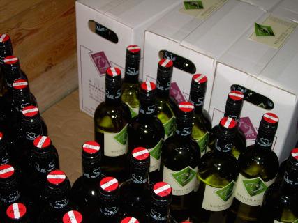 Weingut Seher - Wein ist gefüllt