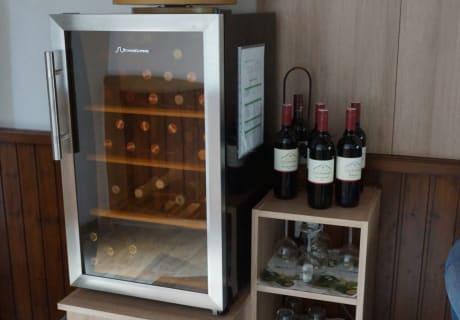 Weinkühlschrank in der Veranda