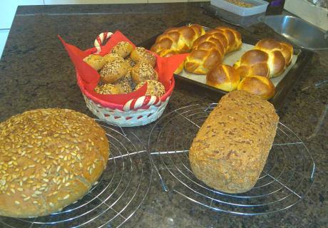 hausgemachtes Brot und Gebäck