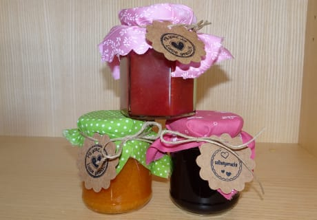 Viele leckere Marmeladen in unserem Genusskasterl
