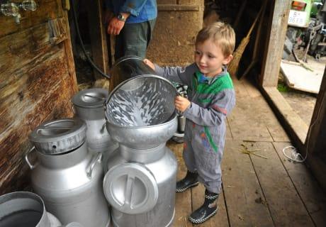 Bauernhof erleben - Milchkannen