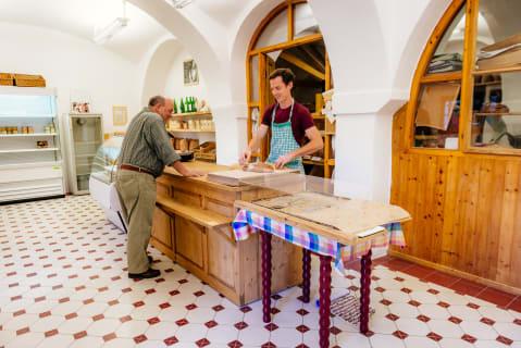 Unser Hofladen, der freitags von 13 bis 19 Uhr geöffnet ist