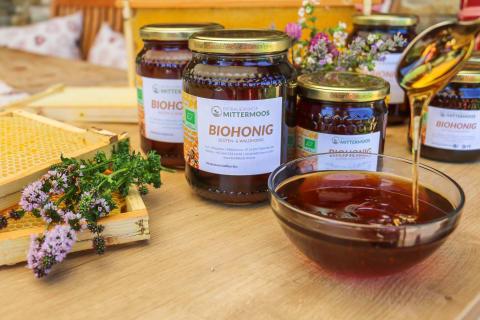 Unser Biohonig von unseren fleißigen Bienen