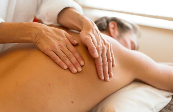 Wohlfühl Massage ©Franz Rockenschaub