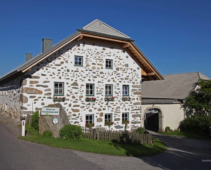 A warm welcome to the Haiböck spa and health farm in the Mühlviertel mountain herb culinary region.