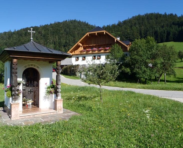 Hauskapelle mit Haus