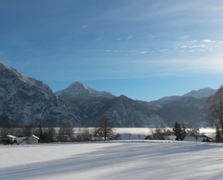 Winterlandschaft - Haus am See