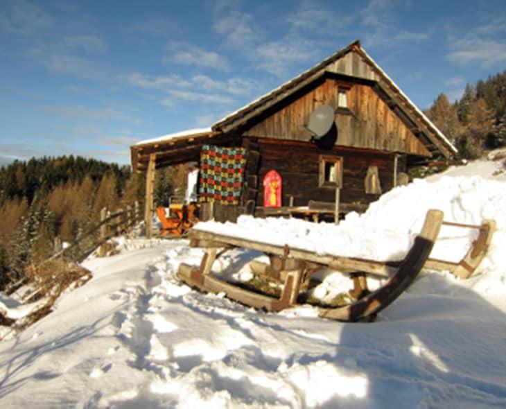 Holzknechthütte im Winter
