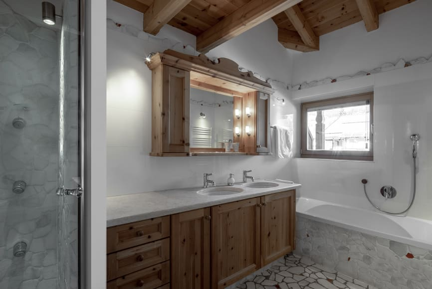 """Cirmolo"" Swiss Pine Chalet Suite"