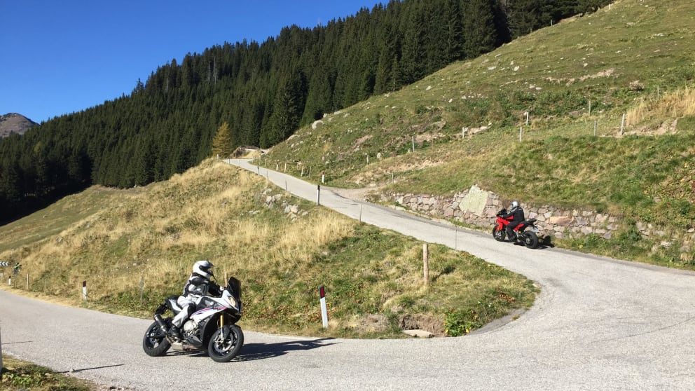Motorcycling between the Dolomites and the Garda Lake