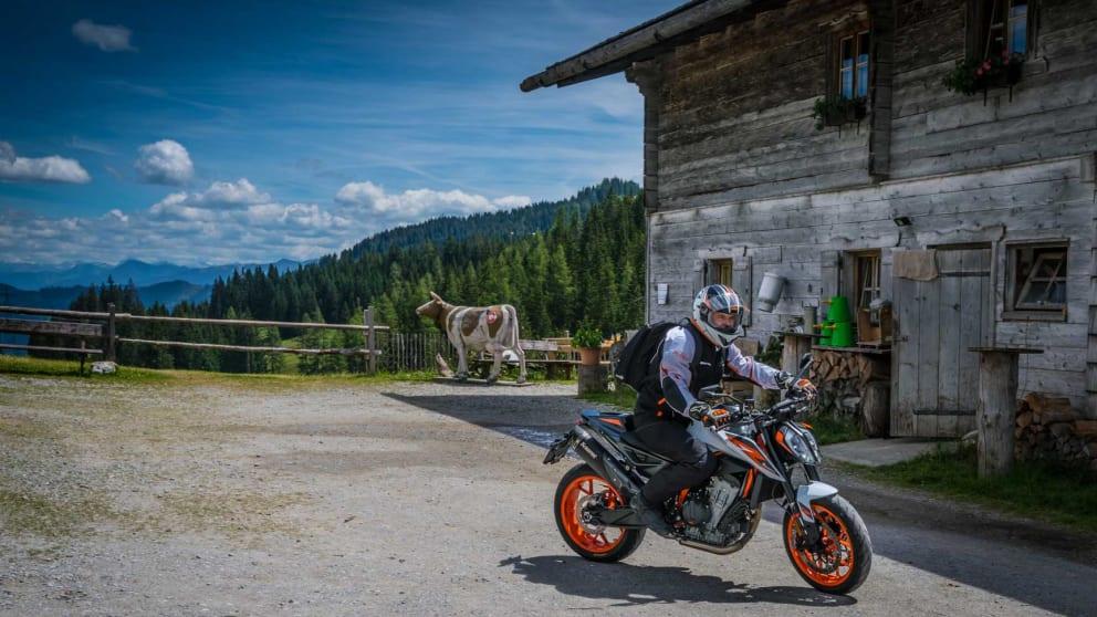 "4 days ""Alpine roads and mountain pick nic"""