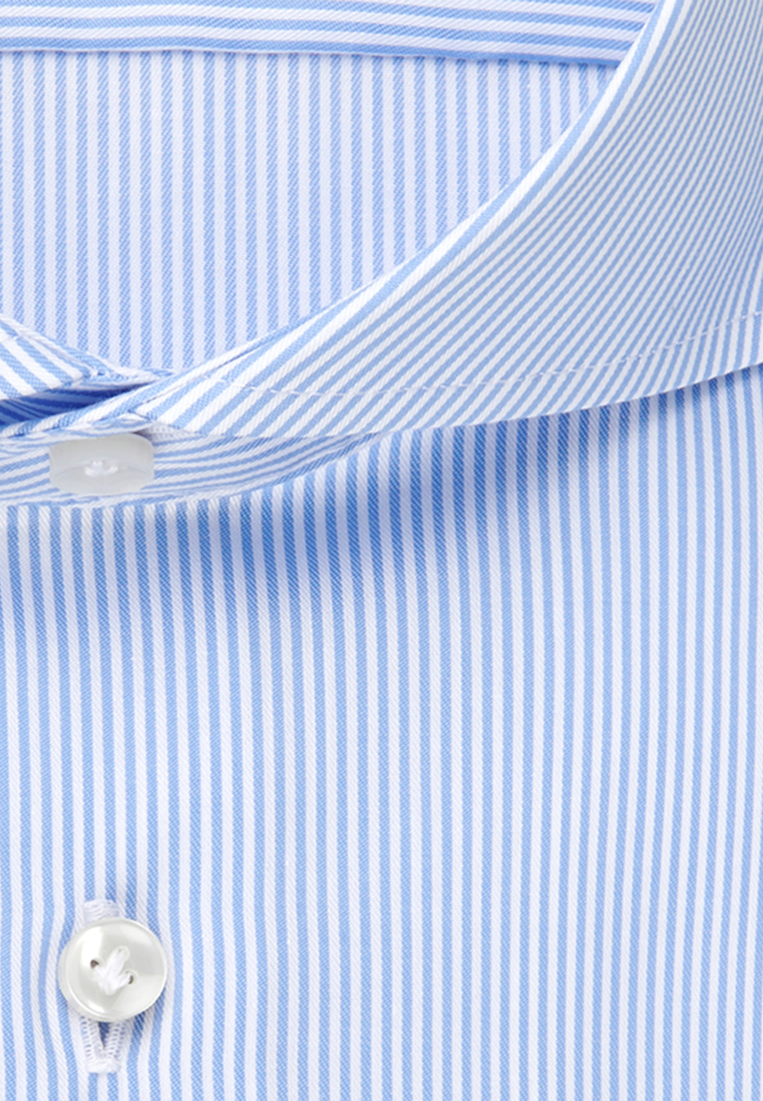 Twill Business Hemd in Custom Fit mit Kentkragen in Hellblau |  Jacques Britt Onlineshop