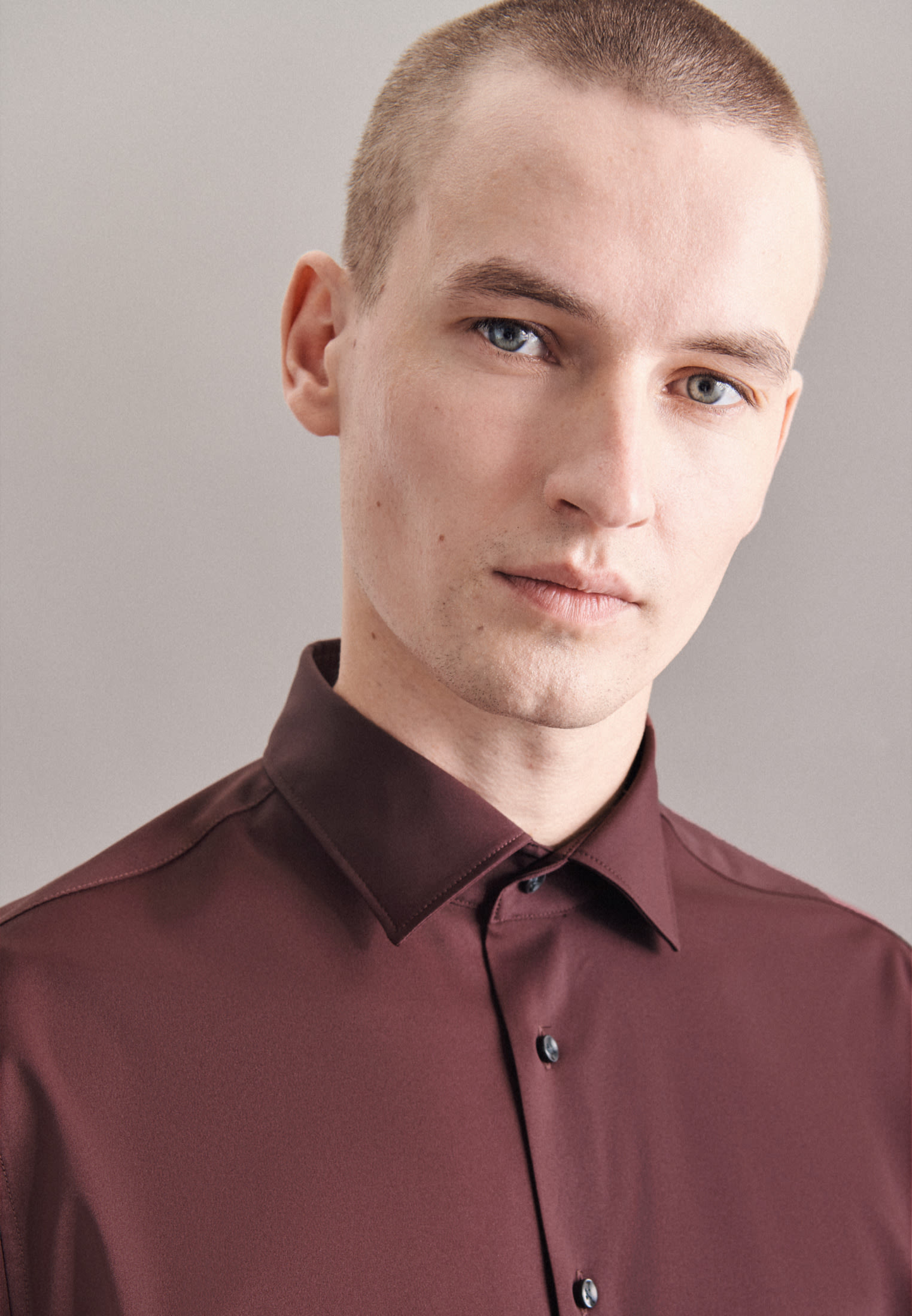 Seidensticker Performancehemd Twill in Rot    Jacques Britt Onlineshop