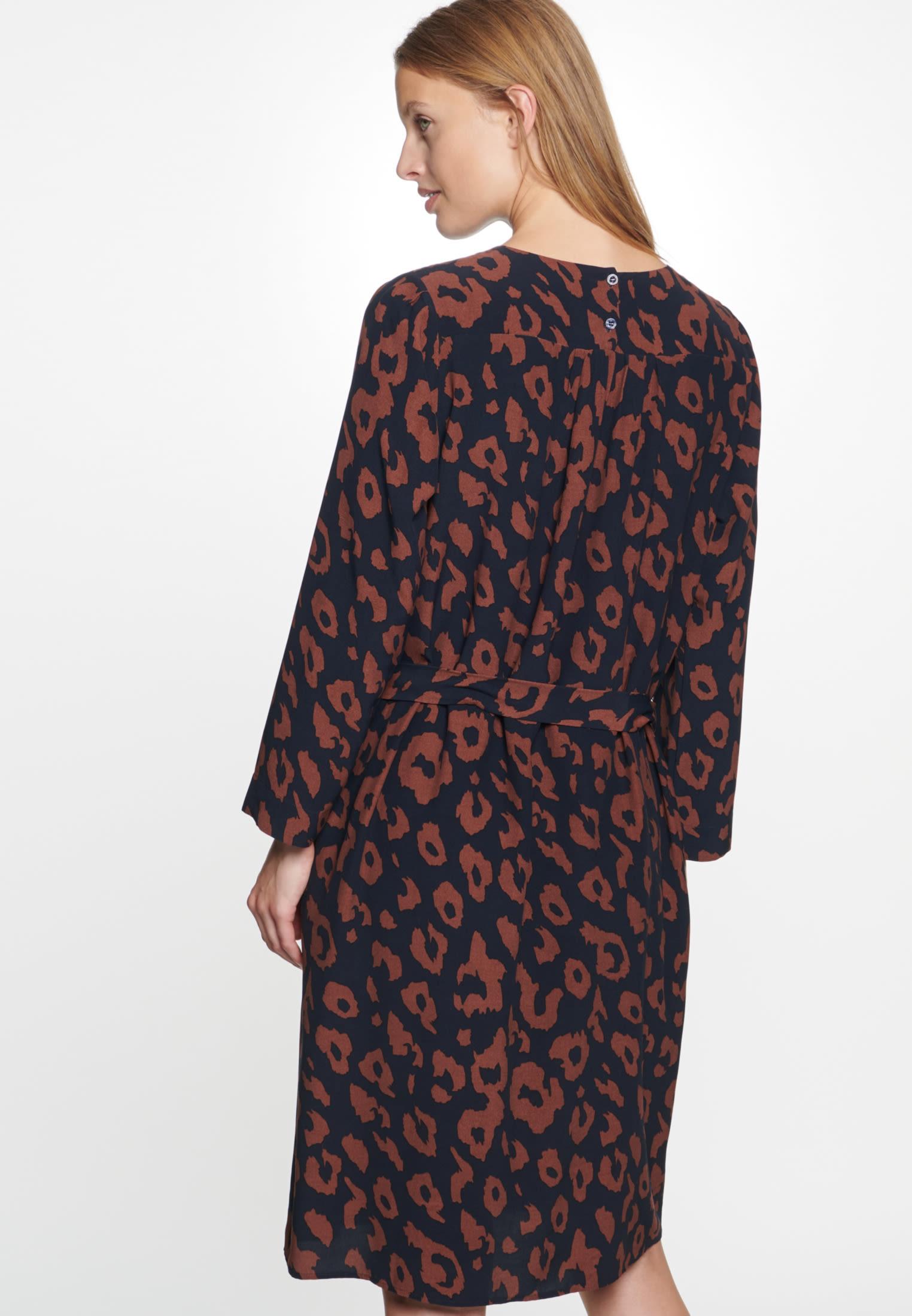 Krepp Kleid aus 100% Viskose in Dunkelblau |  Seidensticker Onlineshop