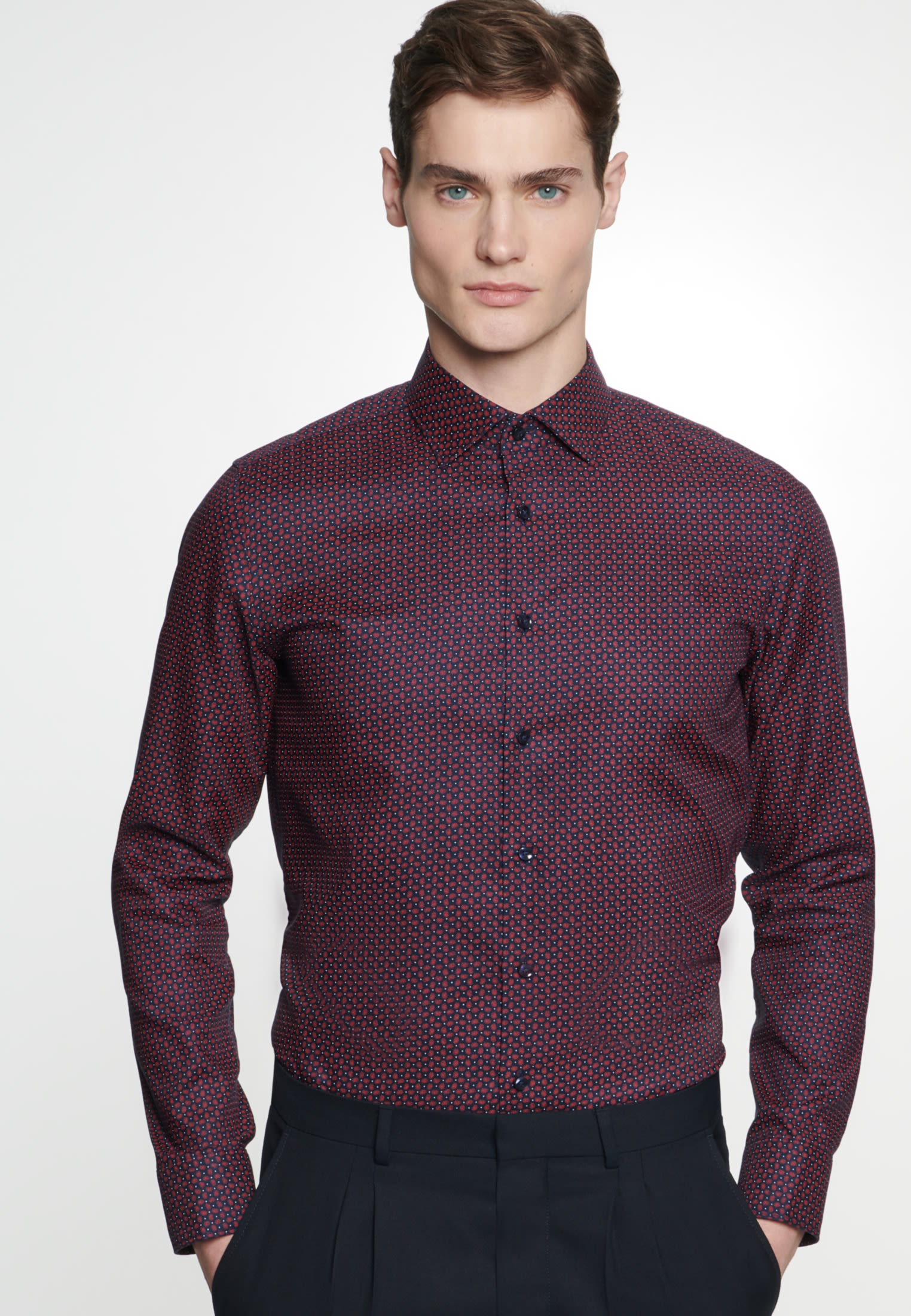 Easy-iron Structure Business Shirt in Shaped with Kent-Collar in Red |  Seidensticker Onlineshop