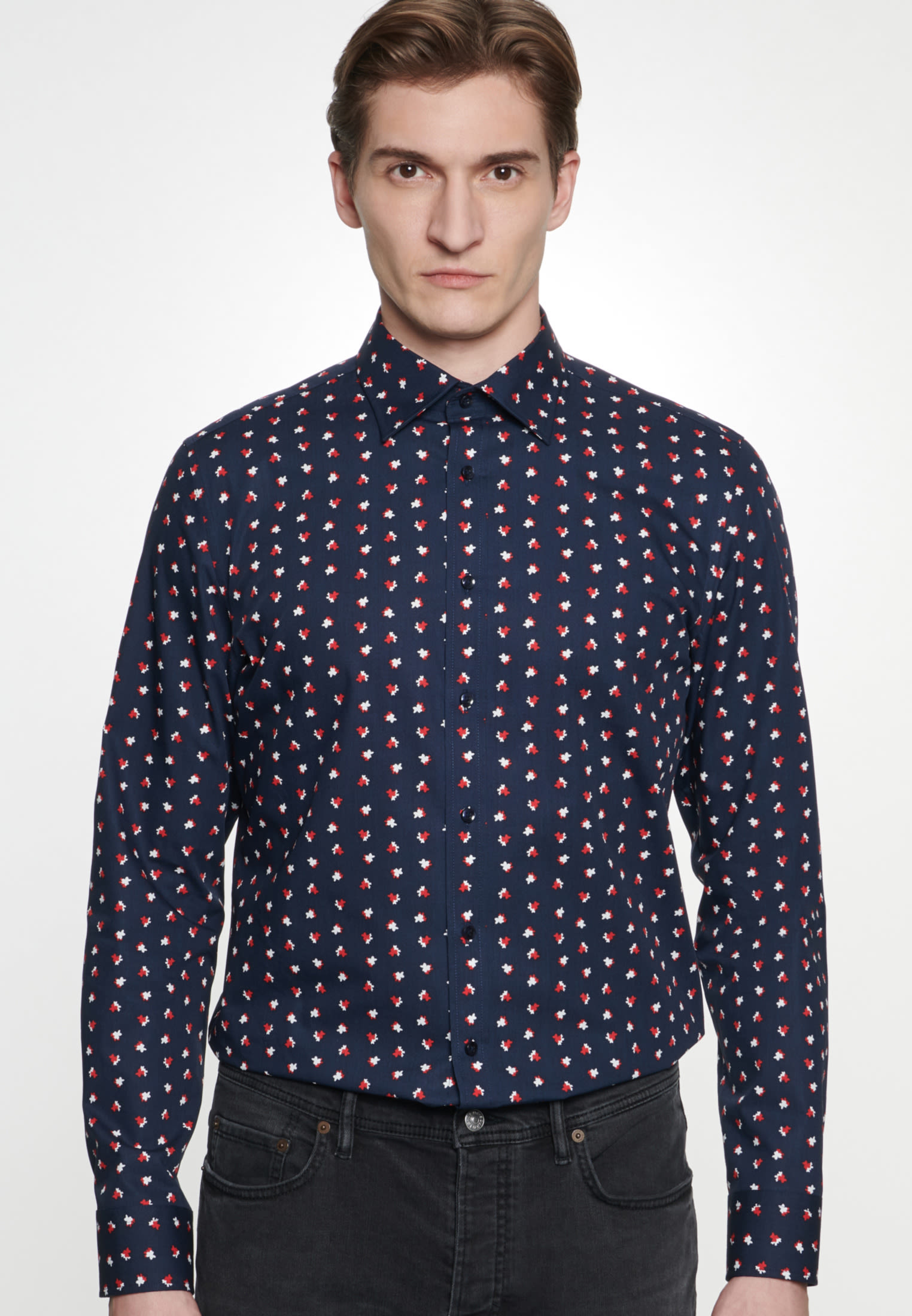 Easy-iron Poplin Business Shirt in Shaped with Covered-Button-Down-Collar in Dark blue |  Seidensticker Onlineshop