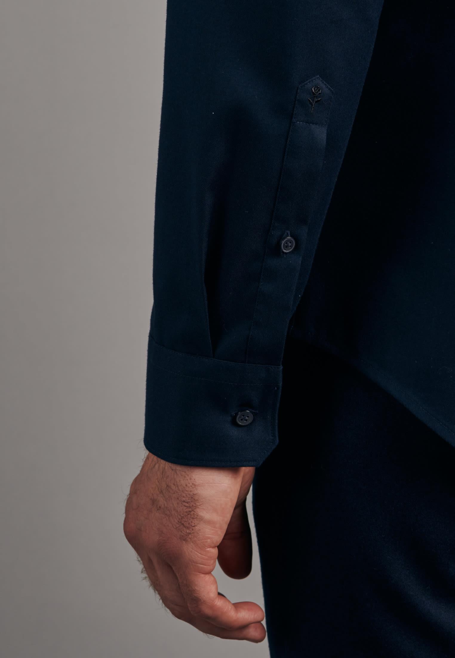 Twill Business Hemd in Slim mit Kentkragen in Dunkelblau |  Seidensticker Onlineshop