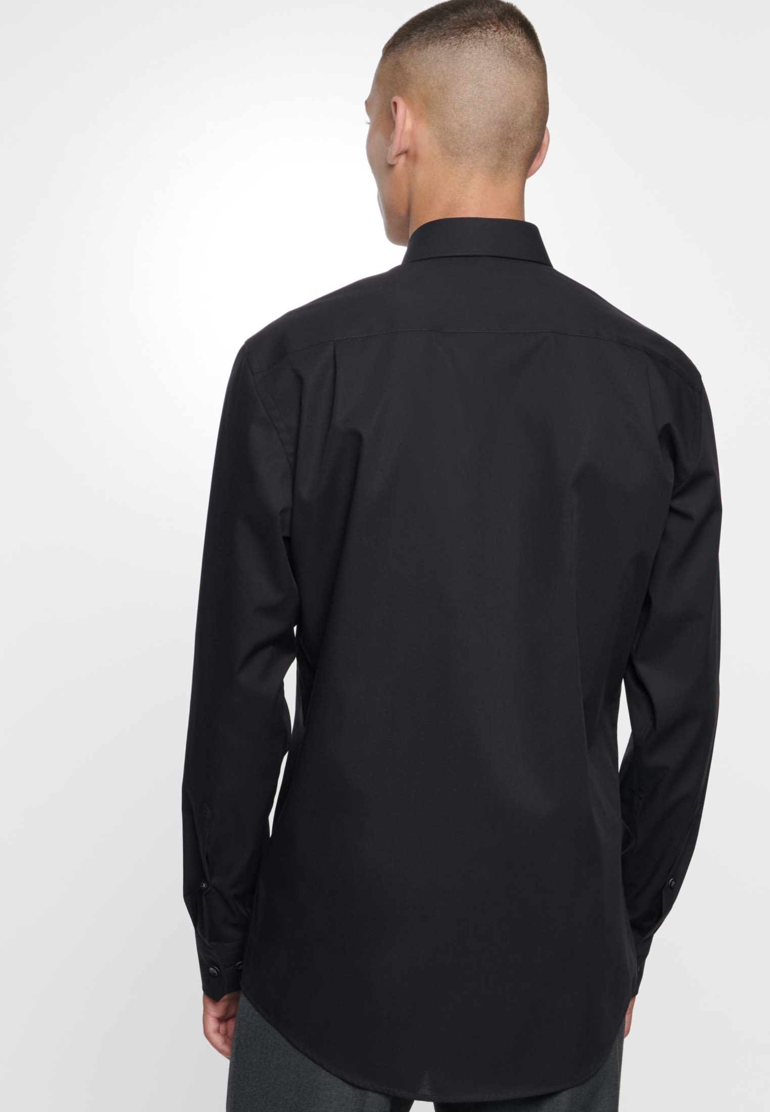 Non-iron Poplin Business Shirt in Modern with Kent-Collar in Black |  Seidensticker Onlineshop