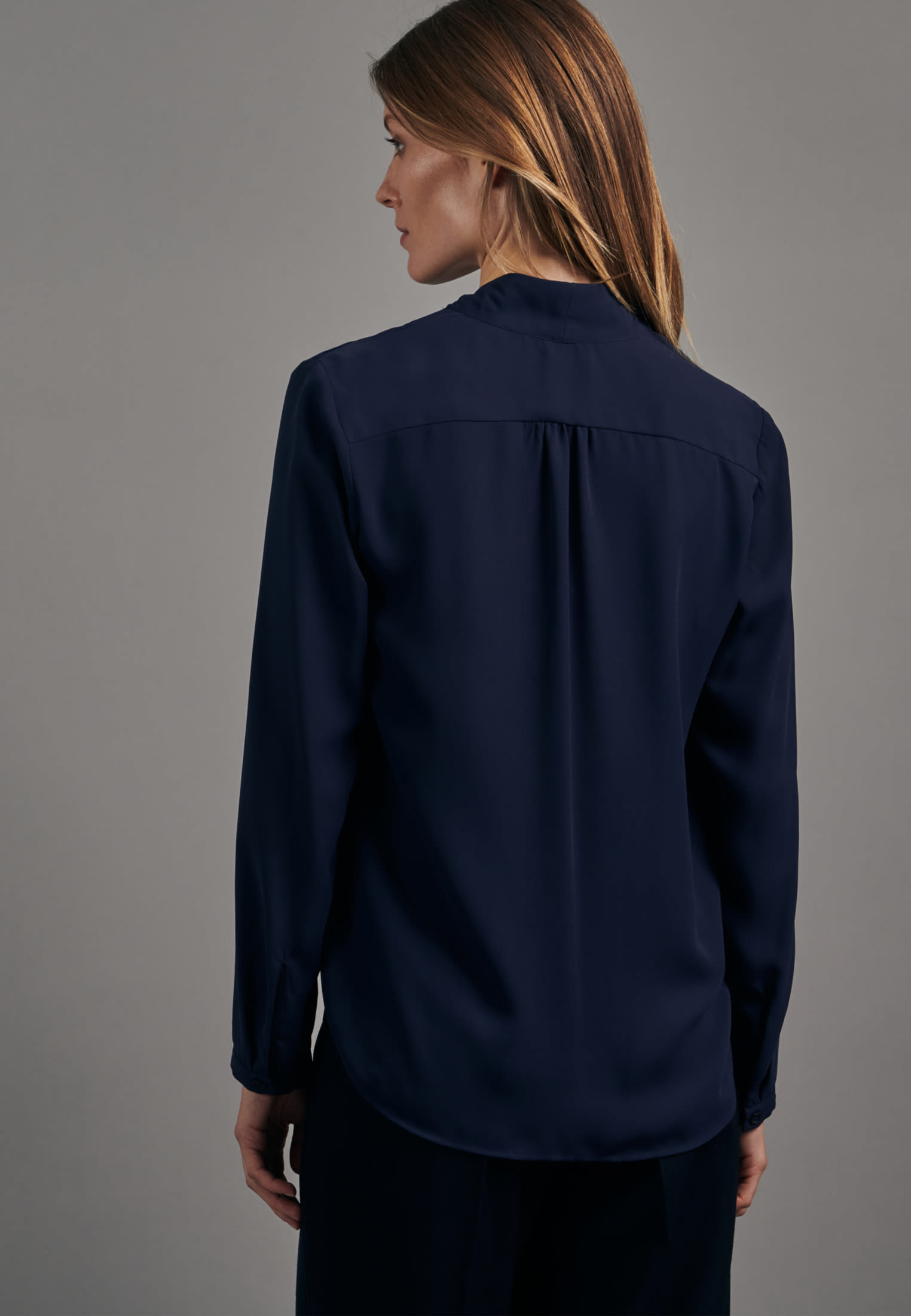 Crepe Wraparound Blouse made of 100% Polyester in Dark blue |  Seidensticker Onlineshop